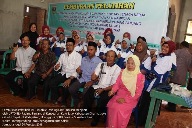 Pembukaan Pelatihan Jurusan Menjahit UPTD BLK Padang Panjang di Koto Salak Dharmasraya