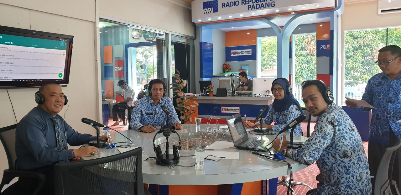 Dialog RRI Disnakertrans Prov dg Apjati Sumbar..