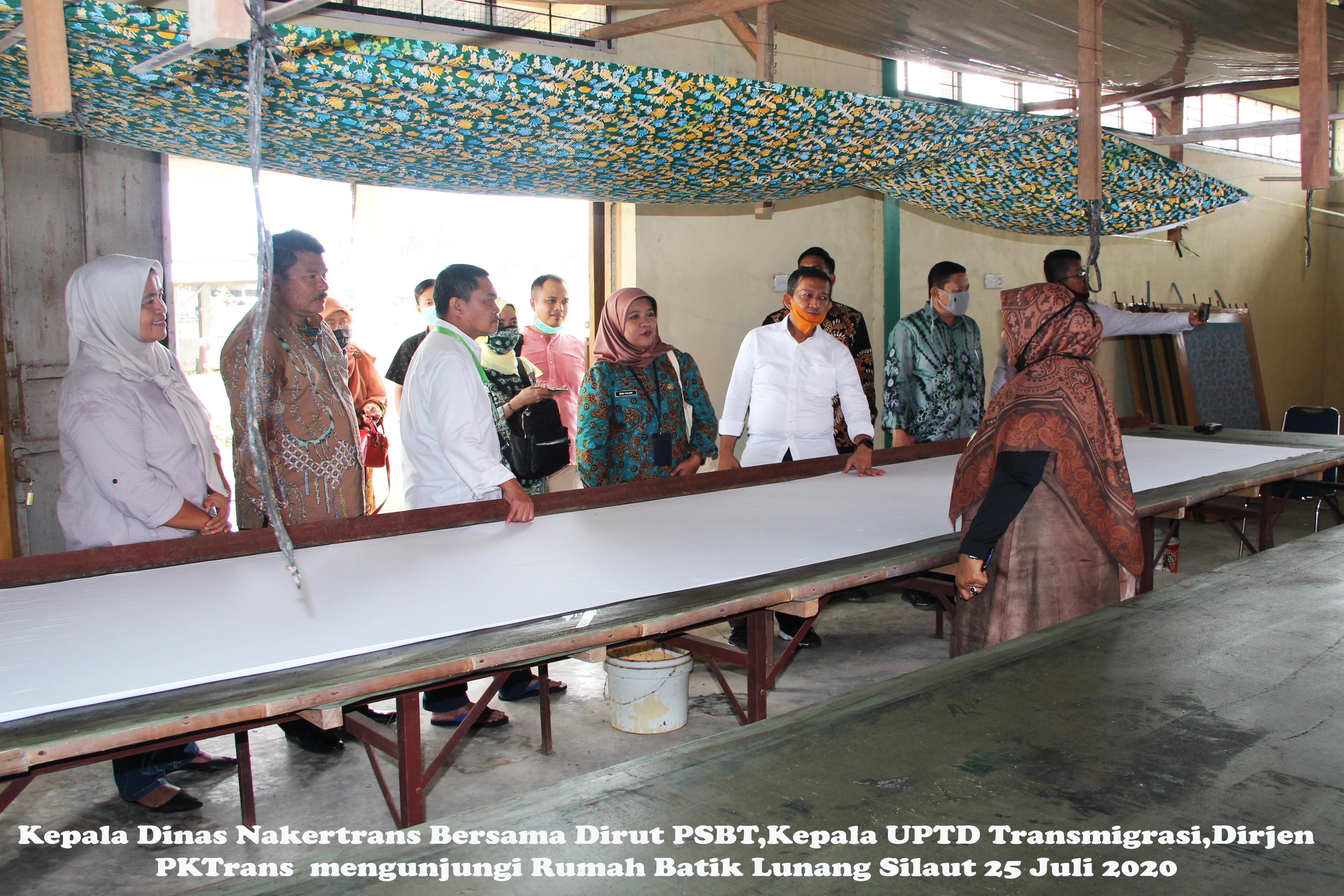 Mengunjungi Rumah Batik di KPB Lunang Silaut, Kab. Pes. Selatan, Prov Sumbar, 25 Juli 2020