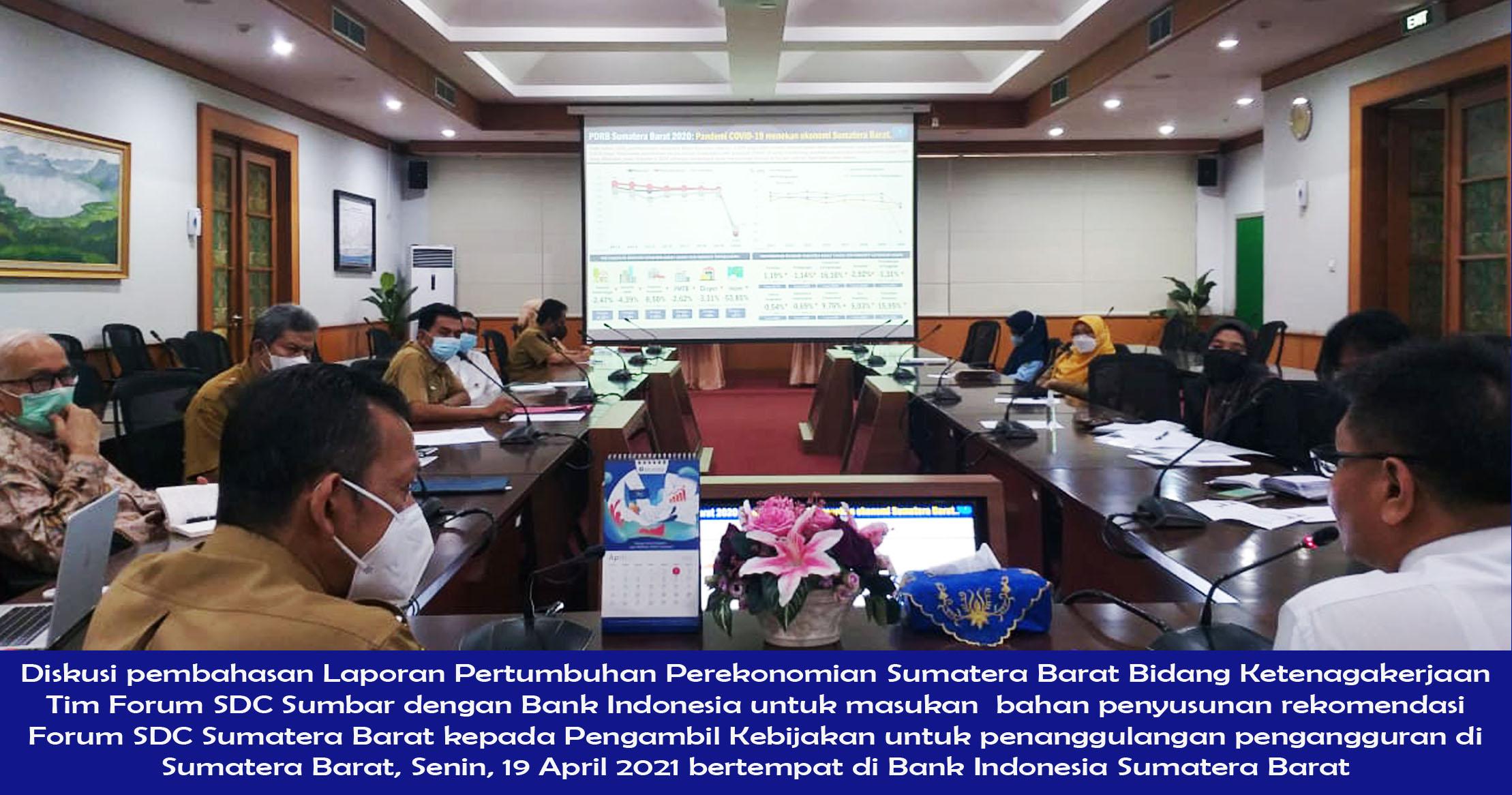 Diskusi pembahasan Laporan Pertumbuhan Perekonomian Sumatera Barat Bidang Ketenagakerjaan